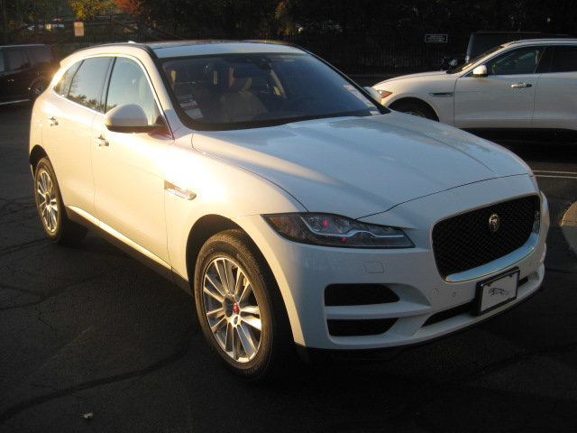 LEASE SPECIAL 2017 JAGUAR F-PACE 20D PRESTIGE AWD – only 1 car available