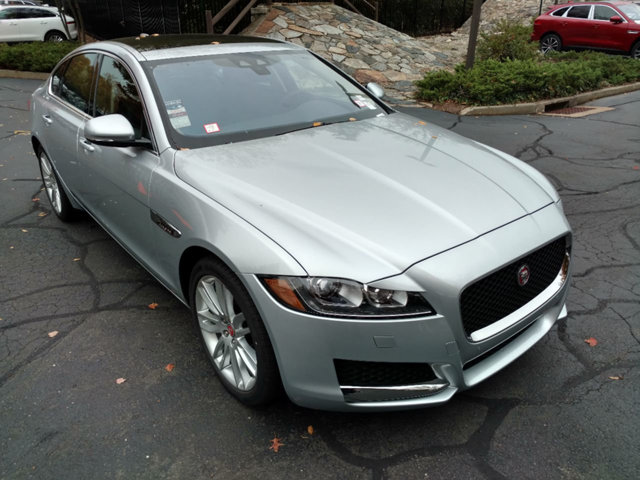 LEASE SPECIAL 2017 JAGUAR XF 35T PRESTIGE AWD – only 2 cars available